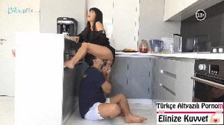 Esmer Üvey Annesini Mutfakta Sikiyor