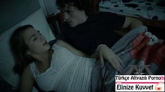 Uyuyan Üvey Kız Kardeşini Yatakta Sikiyor - Porno Filmi