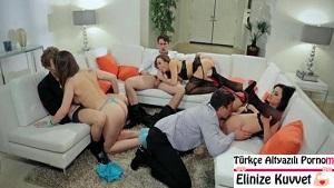 Yakın Arkadaşlar Orgy Parti Düzenliyor