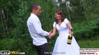 Düğün Sonrası Sarhoş Gelin Herkesle Sex Yaptı