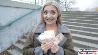 Sarışın Milf Hatun Parayı Görünce Mutlu Oldu