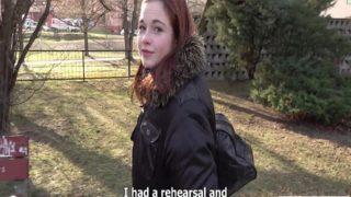 Kızıl Saçlı 18 Yaşındaki Kızı Parayla Sikti