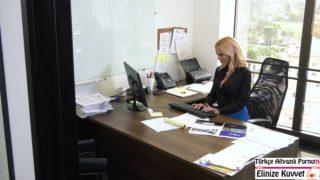 Yeni Sekreterini ilk iş Gününde Sikiyor