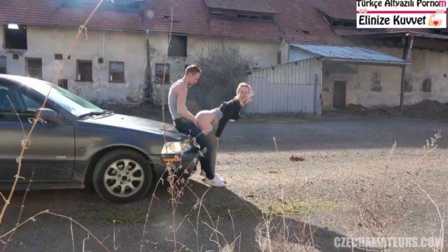 Czech Sevgilisiyle Arabada Evde Her Yerde Sikişiyorlar