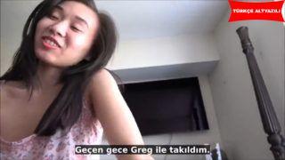 Koreli Kız Abisinden ilişki Tavsiyesi Alıyor